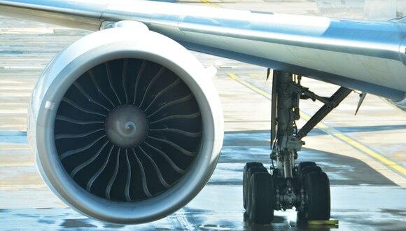 Un pasajero registró el preciso instante en el que la avería obligó a aterrizar de emergencia a la aeronave. (Foto: Pexels/Referencial)