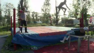 Luchadores mexicanos resisten la crisis con peleas por internet