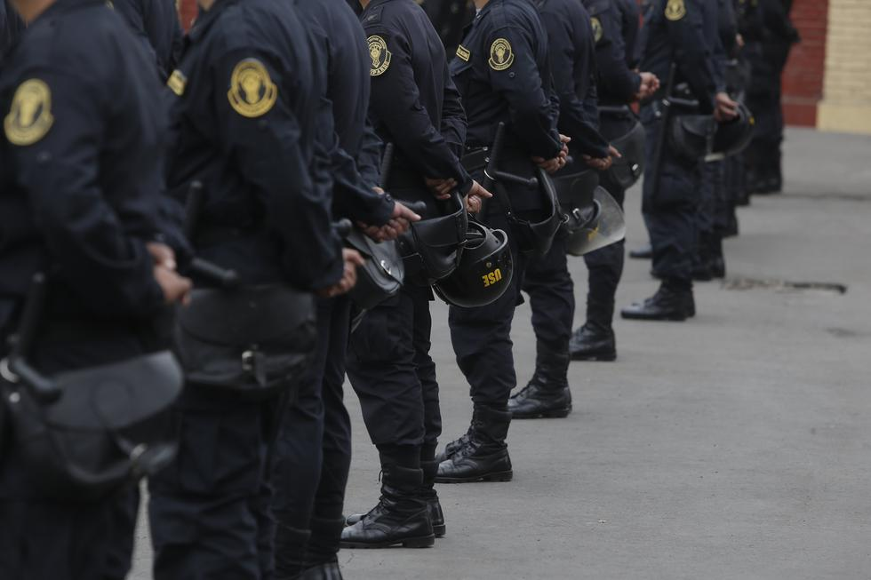 Morán también comentó que los policías que cumplen su labor con sacrificio, entrega y valor son lo más valioso de la institución policial. (GEC)