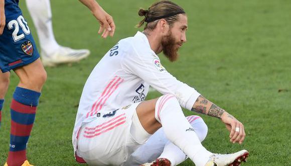 Sergio Ramos se lesionó ante Cádiz, en el reciente partido de Real Madrid. (Foto: AFP)