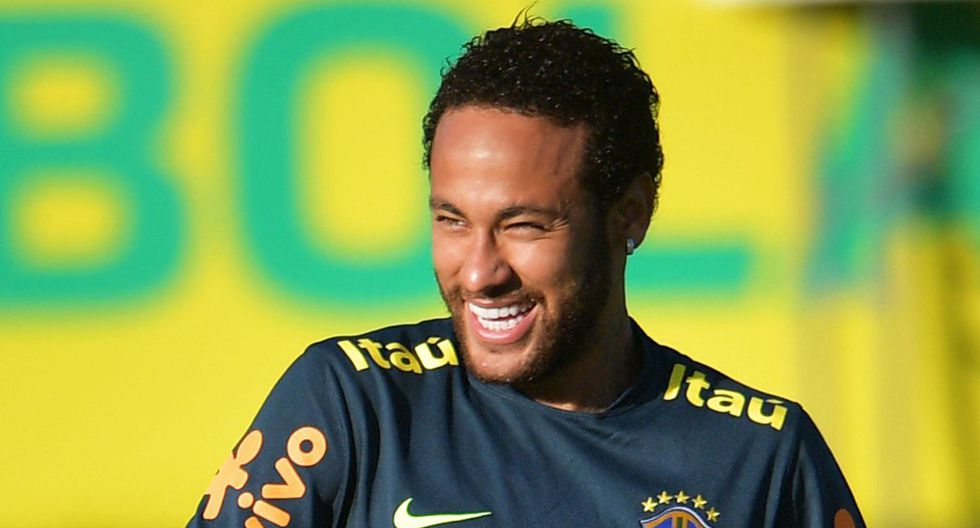 Futbolista del Cruzeiro que hizo un túnel a Neymar dejó la concentración de la selección brasileña. (Foto: AFP)