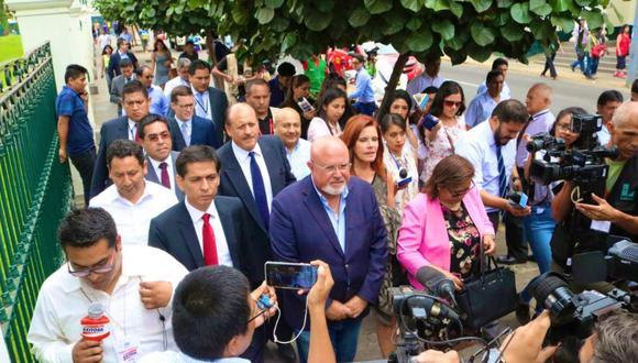 La bancada de Peruanos por el Kambio (PpK) se reunió con el Ejecutivo durante unas dos horas y media. (Foto: Twitter @PPKbancada / Video: Canal N)