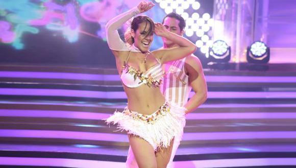 Dorita Orbegoso realizó un sensual baile, pero fue sentencia en 'El gran show'. (El gran show)