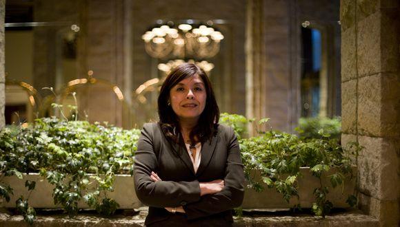 """""""Las mujeres somos perfeccionistas en los tiempos, pero a la vez cuidamos la excelencia. La creatividad y la diferenciación son muy importantes"""", declara Gladys Pineda (Renzo Salazar/Perú21)."""