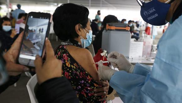 El ministro Ugarte dijo que el 25% de las dosis puestas fueron para personas que solo tenían una aplicación. (Fotos : Jorge Cerdan/@photo.gec)