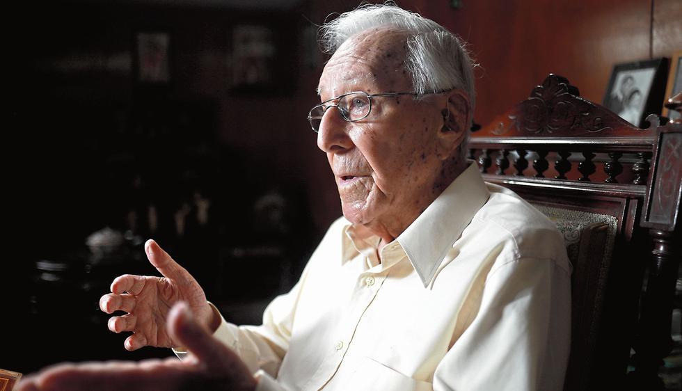 Luis Bedoya Reyes. Fundador y líder del Partido Popular Cristiano (PPC). (Juan Ponce)