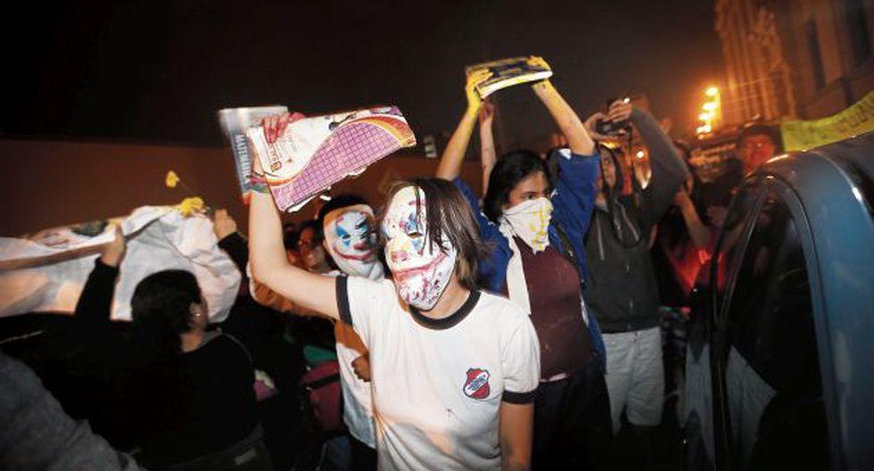El grupo de menores de edad es asediado por SL. (GEC)