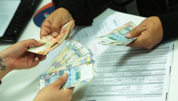 """""""Se avizoran serios problemas en el sistema financiero, ya que se prevé un aumento en el impago de deudas de muchos ciudadanos, debido a que en agosto culminó el plazo del congelamiento de deudas establecido por la SBS"""". (Foto: GEC)"""