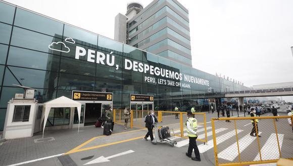Medida aplicaría desde noviembre, según acuerdo del consejo de ministros. Entre los destinos a los que se permitirá viajar se encuentran Estados Unidos y México.