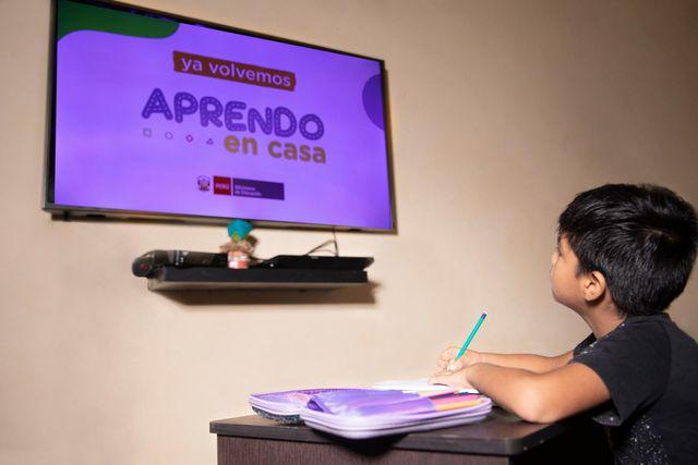 Aprendo en Casa es transmitido por TV Perú (Canal 7) y Radio Nacional (Foto: GEC)