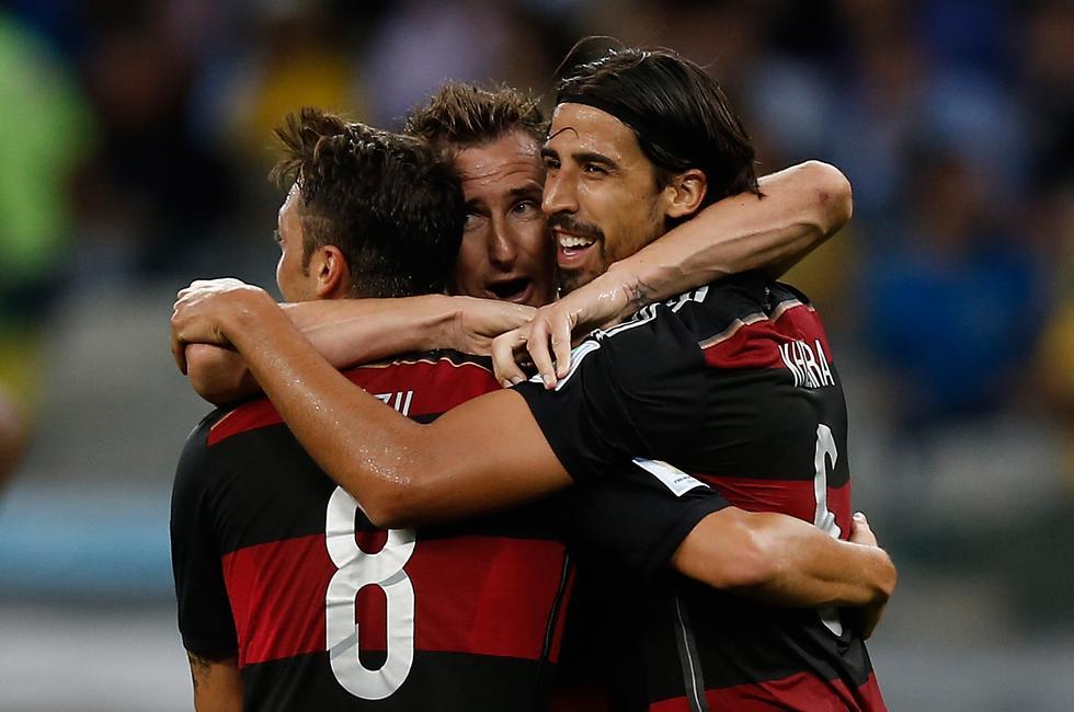 """El entonces seleccionador brasileño, Luiz Felipe Scolari, reconoció que fue """"el peor día"""" de su larga carrera deportiva y pidió """"disculpas al pueblo brasileño"""" por lo que consideró una derrota """"catastrófica"""". (Foto: AFP)"""