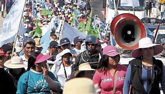 Arequipa: Islay amenaza con protestas si represa Pasto Grande no les entrega agua. (USI)