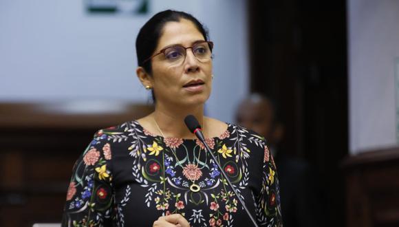 La congresista fue denunciada por presuntos vínculos con un empresario pesquero vinculado a Los Cuellos Blancos. (Foto: Congreso)