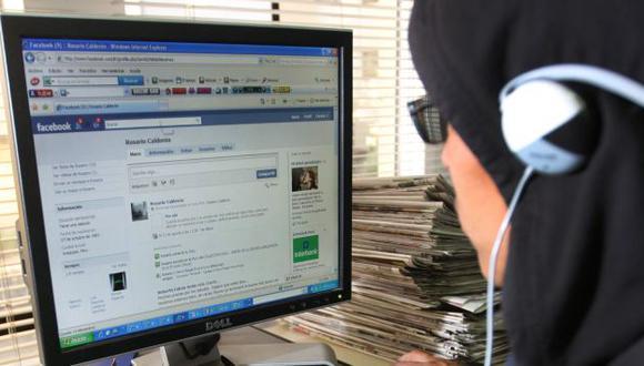 Internet se ha convertido en la más grande 'tienda virtual', donde compradores y vendedores hacen contacto. (Heiner Aparicio)