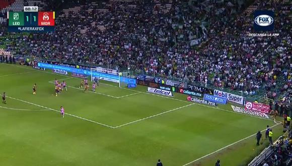 Edison Flores dio la asistencia para el gol de tirunfo de Morelia sobre León. (Captura: Fox Sports)