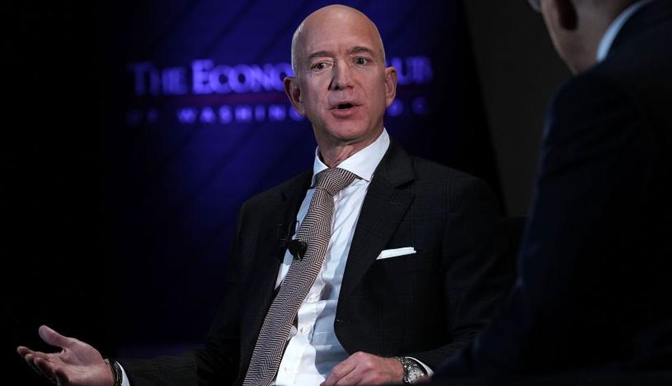 Jeff Bezos también opera la firma privada de exploración espacial Blue Origin y es dueño del periódico The Washington Post. | Foto: AFP