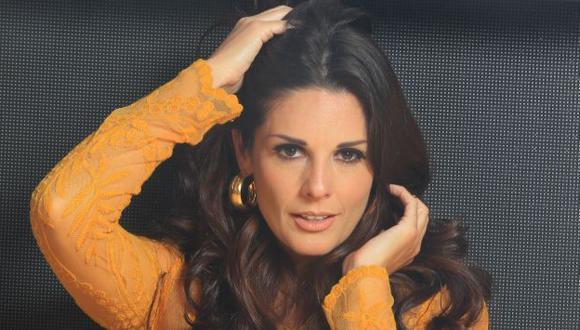 Ella se lució al moverse al ritmo de la conocida canción Enamorarme de Ti, de Eddie Santiago. (USI)