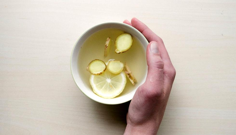 Las infusiones de kion, limón y miel son excelentes para prevenir resfríos. (Foto: Pixabay)