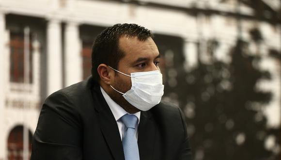 Franco Salinas dijo estar preocupado por la demora del Ejecutivo en el programa de inmunización nacional y cuestionó que no se haya asegurado la vacunación de los miembros de mesa. (Foto: Jesús Saucedo / GEC)