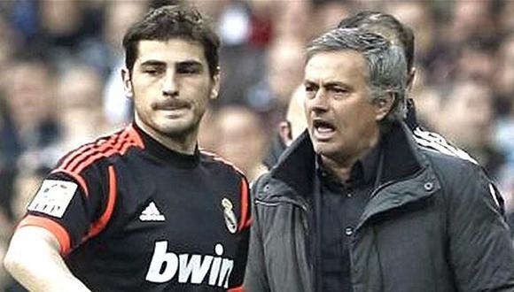 Iker Casillas y Mourinho coincidieron en Real Madrid durante tres temporadas. (Foto: EFE)