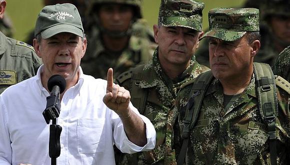 """Navas (der.) dijo que la guerrilla """"ha perdido su horizonte"""". (Reuters)"""