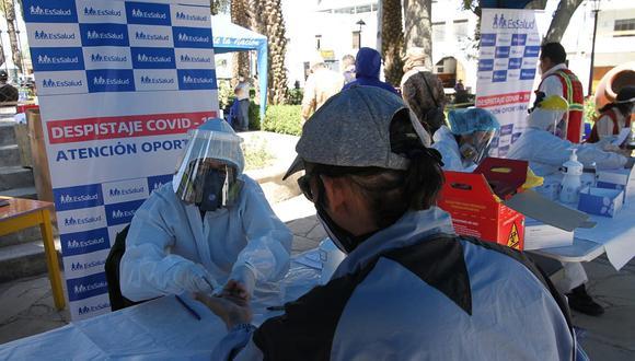 Arequipa: el número de camas disponibles para enfermos con COVID-19 es fluctuante, debido a que constantemente están ingresando y saliendo pacientes. (Foto: EsSalud)