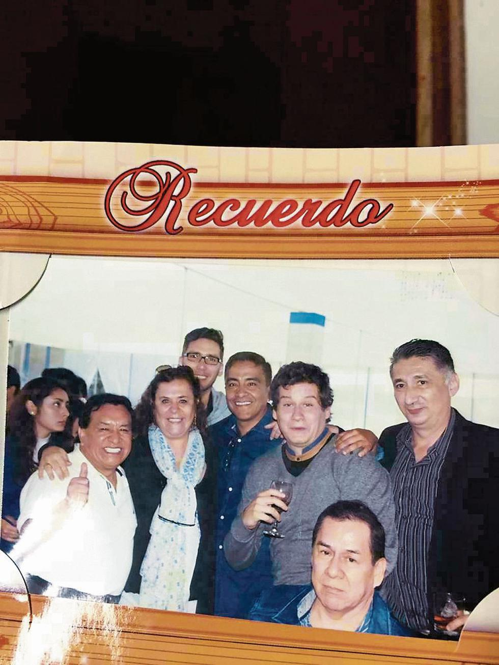 Celebrando. Vieira posa con Pepe Luna y Gioconda Tripi. (Perú21)
