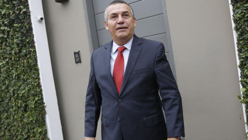 Daniel Urresti presentó nuevas pruebas en el caso Bustíos. (Perú21)