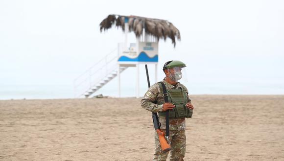 Ejecutivo dispuso que las playas permanecerán cerradas hasta finales de enero del 2021. (Foto: Alessandro Currarino/GEC)