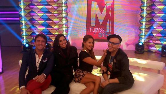 Antonio Pavón, Laura Borlini, Mónica Hoyos y Carlos Cacho serán los conductores del nuevo espacio de canal 9. (ATV)