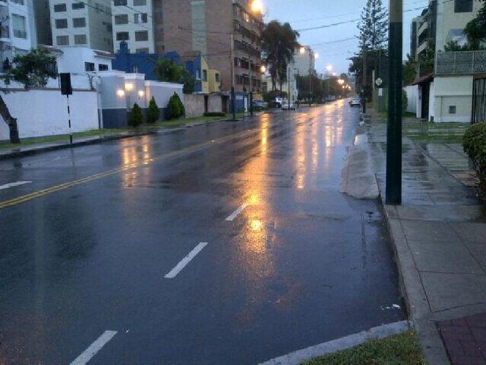 El 80% de Lima está bajo una intensa llovizna desde la noche del miércoles. (Foto: @angustio)