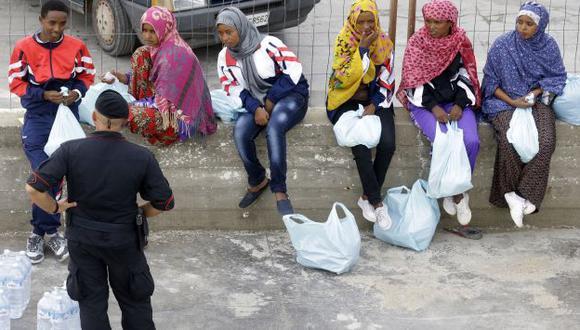 Muchos africanos realizan peligrosa travesía para llegar a Europa. (AP)