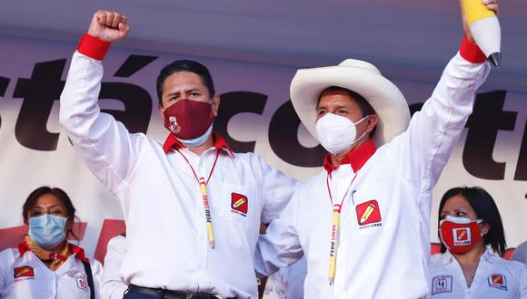 La dupla. Pedro Castillo y Vladimir Cerrón traman crear una nueva crisis política con un cambio de Constitución en plena pandemia. (Facebook: Perú Libre)