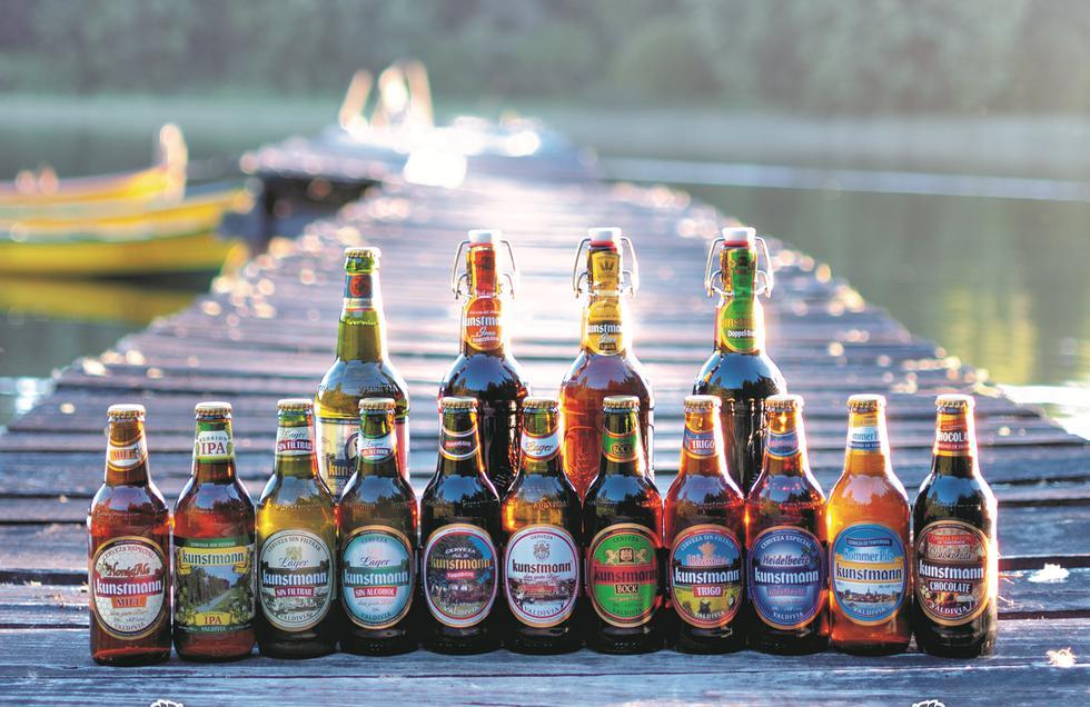 Alejandro Kunstmann, gerente comercial de Cervecería Kunstmann, una compañía que tiene 11 productos artesanales.