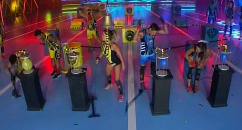 Facundo González y Angie Arizaga perdieron 50 puntos. (América TV)
