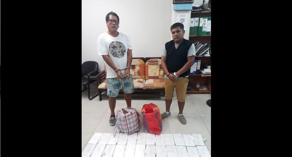 Los detenidos con los 24 kilos de cocaína.