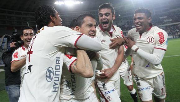 Universitario celebra ante su hinchada este gran triunfo. (Perú21)