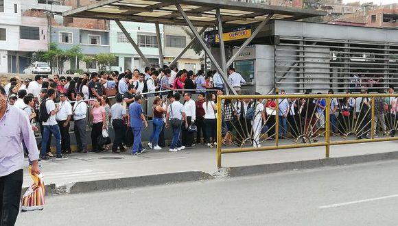 Esta mañana hubo caos en la estación Izaguirre (Foto: @xindy_ent)