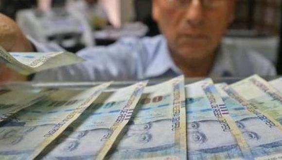 La Superintendencia de Bancas, Seguros y AFP (SBS) anunció que las solicitudes para retirar hasta 17.200 soles del fondo de pensiones (4 UIT) podrán presentarse desde el próximo 9 de diciembre (Foto: Andina)