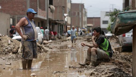 Afectados por el 'Niño Costero' recibirán bono de S/22 mil para reconstruir sus viviendas. (Perú21)
