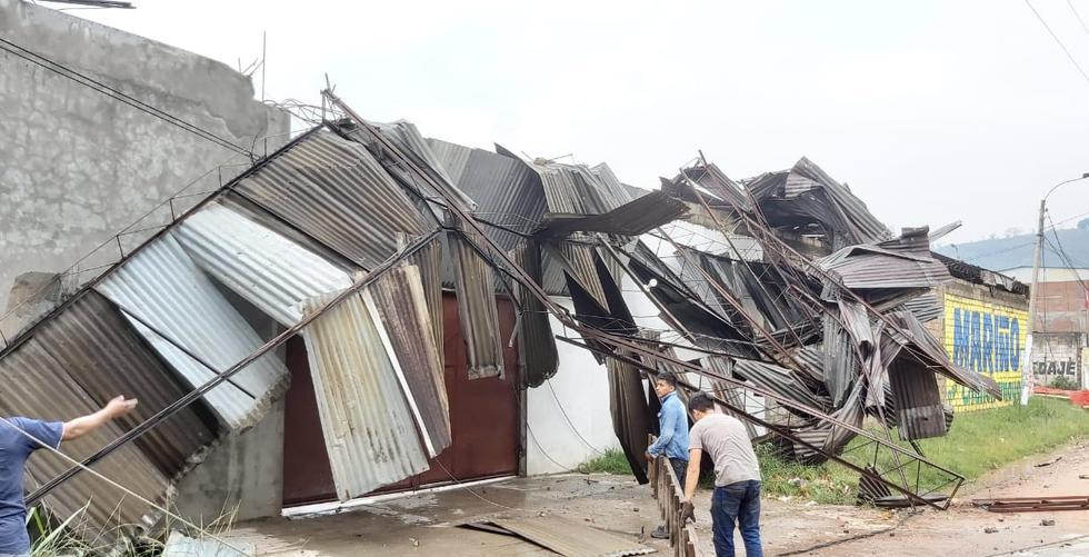 Fuertes vientos y granizo afectaron viviendas y negocios en Chanchamayo. (Jesús Trujillo Sarmiento)