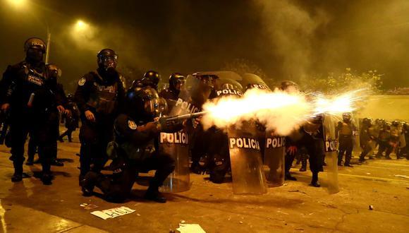La Policía es cuestionada por hacer uso desmedido de la fuerza durante la represión de las marchas. (GEC)
