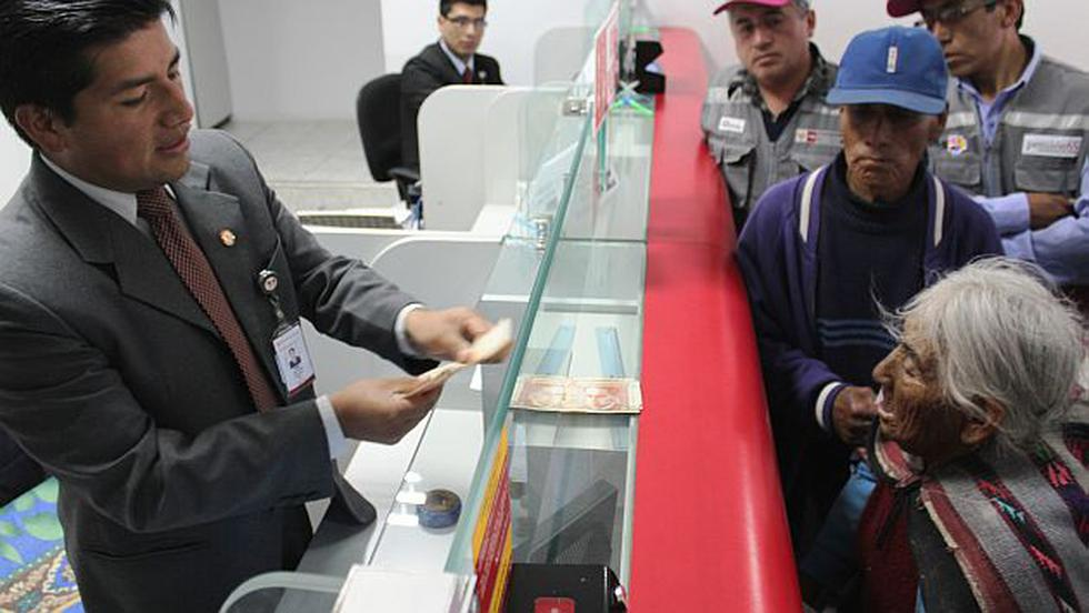 Huancavelica: La mujer más longeva de Perú cobra Pensión 65 por primera vez. (Difusión)