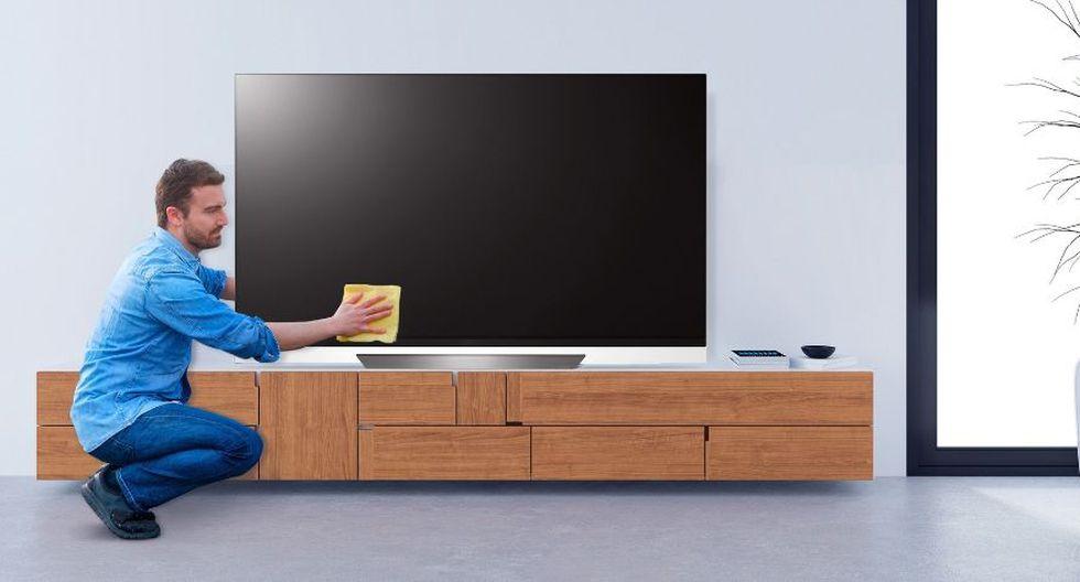 Limpia periódicamente la pantalla de los televisores para que no se acumule el polvo o generen manchas. (Foto: Difusión)