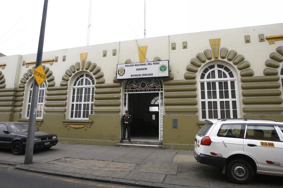 Detenidos: Policías permanecen en la sede de la Depincri Centro.