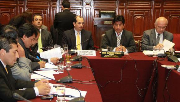 MISMO PAPÁ NOEL. Castilla se mostró con mayor disposición a atender pedidos de más recursos. (USI)