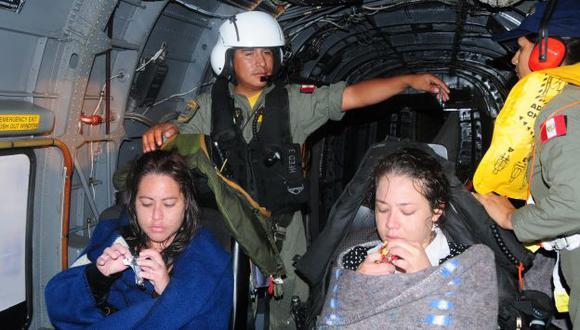 Las jóvenes, con cuadros de hipotermia tras nueve horas de naufragio, fueron rescatadas por un helicóptero. (Difusión)