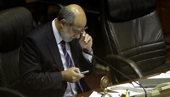 Afirman que Abugattás actuó así porque no pudo salvar a los ministros. (Alberto Orbegoso)