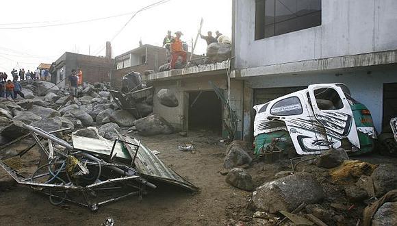 Se requiere maquinaria pesada para retirar rocas de las calles. (Perú21)