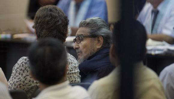 """La """"estrategia"""" de los terroristas Abimael Guzmán y Víctor Polay de usar la guerra de guerrillas y """"del campo a la ciudad"""" para tomar el poder solo ha cambiado en el uso del voto por el fusil, señala el columnista. (Foto: AP)"""